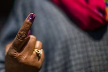 Loksabha Election 2019 : चुनाव में क्यों होता है नीली स्याही का इस्तेमाल?