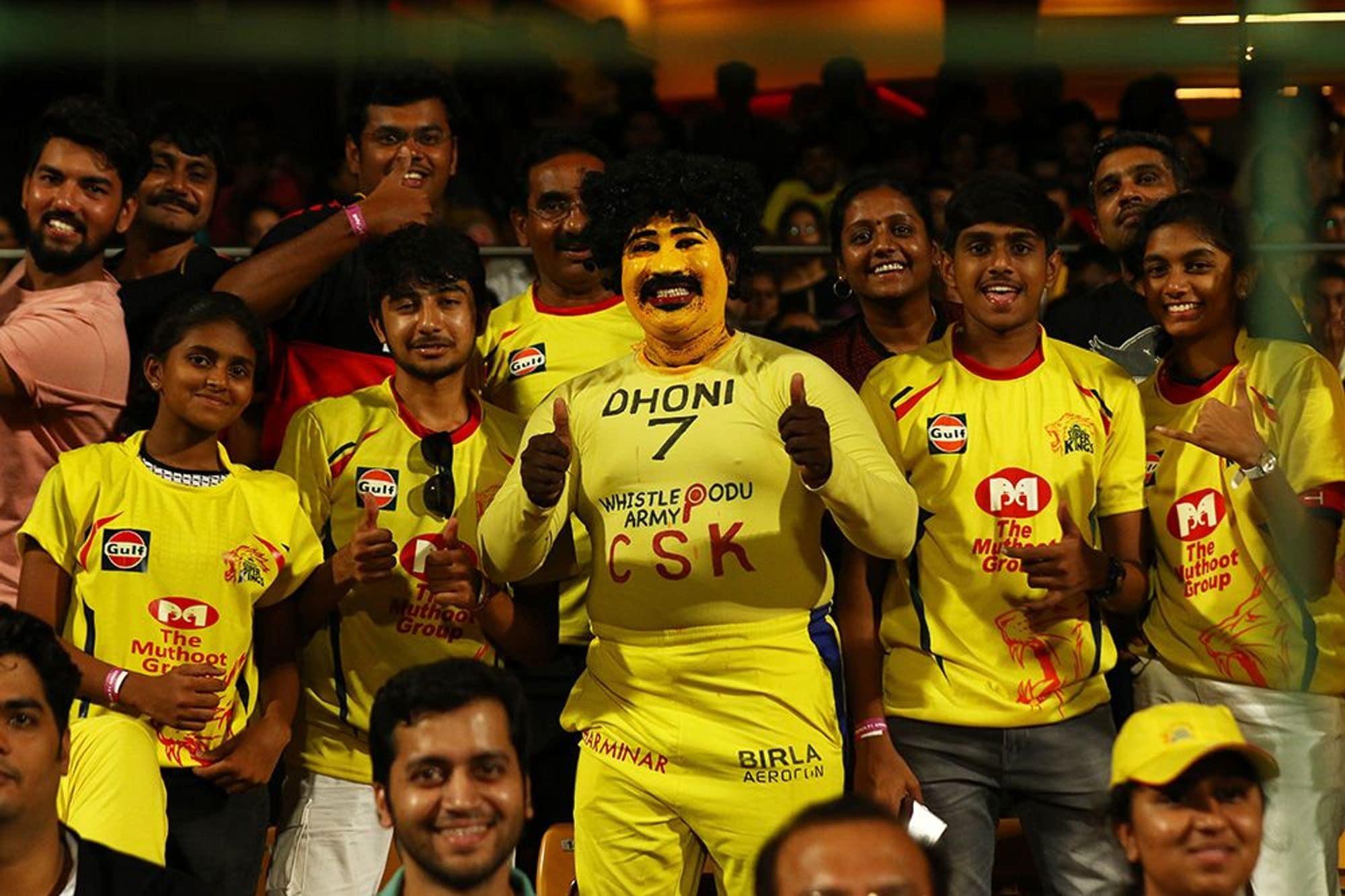 धोनी की सफलता का पहला राज है कि चेन्नई को अपना अभेद किला बनाना. जी हां धोनी को उनके होम ग्राउंड पर हराना काफी मुश्किल है. चेन्नई ने अपने होम ग्राउंड पर खेले पिछले 20 मैचों में से धोनी ने 18 में जीत हासिल की है. (PC -IPL)