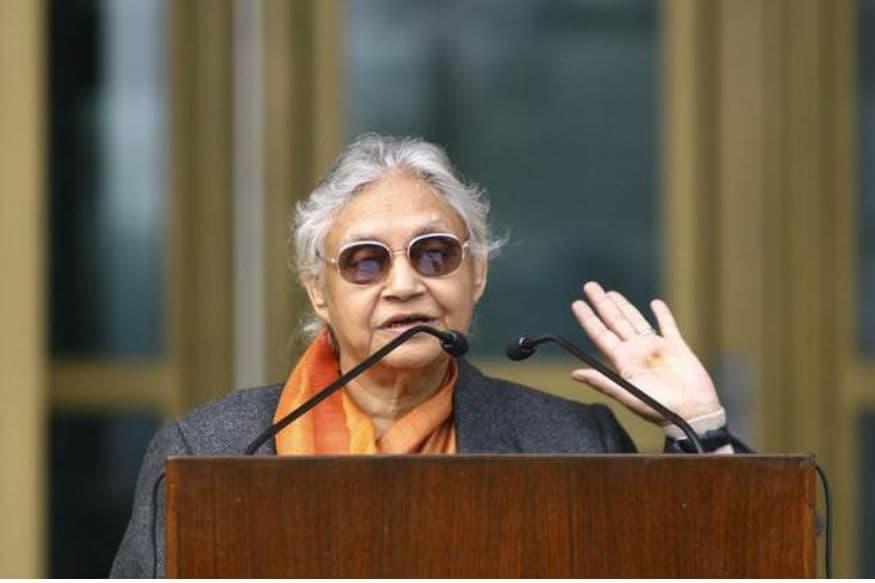 शीला दीक्षित पंजाब के कपूरथला में जन्मी थीं. उनकी शुरुआती पढ़ाई दिल्ली के जीसस एंड मैरी स्कूल और विश्वविद्यालय की पढ़ाई मिरांडा हाउस कॉलेज से हुई.