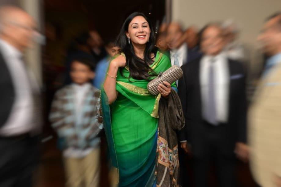 दीया कुमारी जयपुर के महाराजा सवाई मानसिंह और उनकी पहली पत्नी मरुधर कंवर के बेटे भवानी सिंह और पद्मिनी देवी की इकलौती संतान हैं.