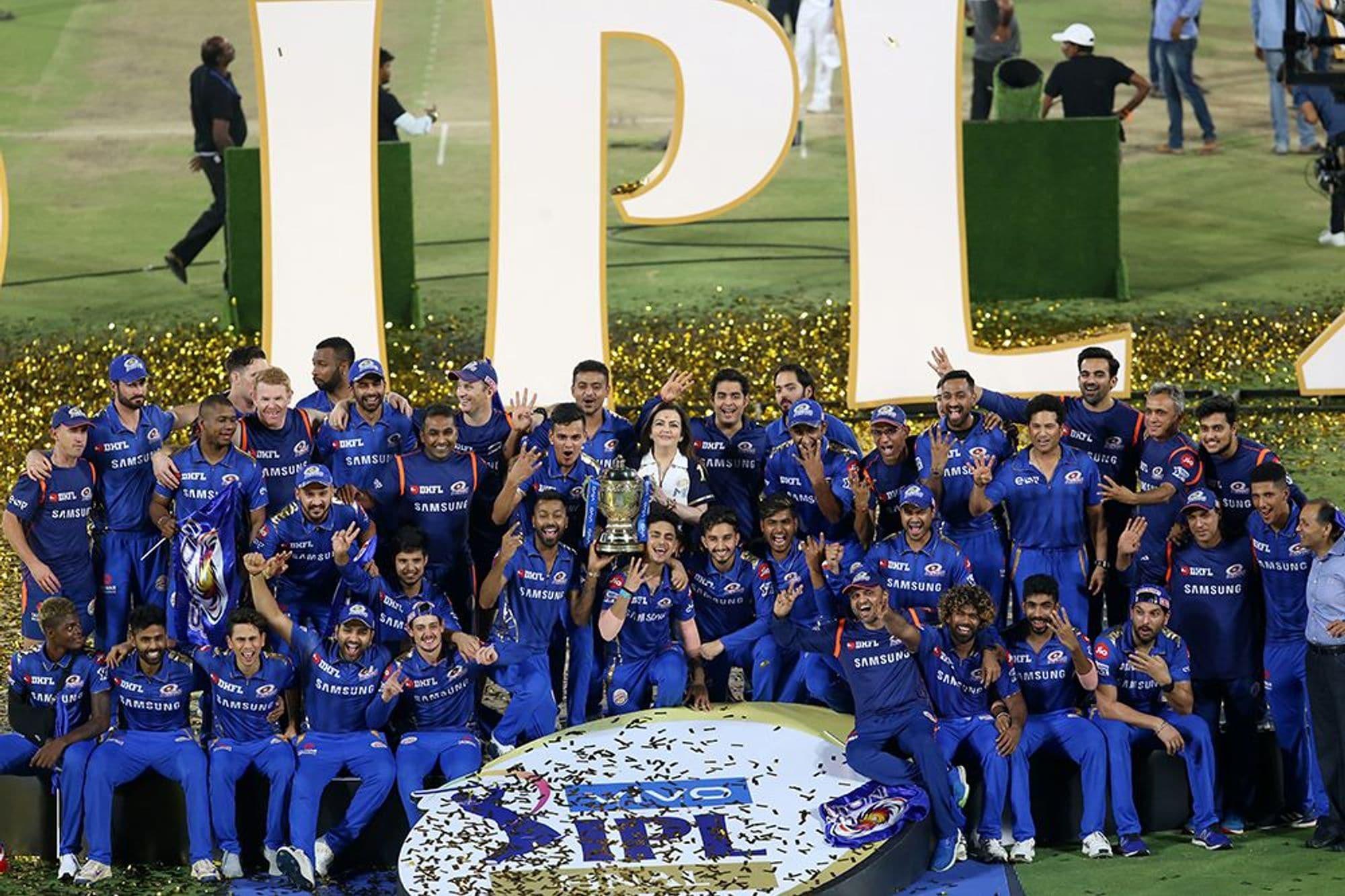 मुंबई इंडियंस ने आईपीएल का चौथी बार खिताब जीतकर इतिहास रच रच दिया है. रोहित शर्मा की कप्तानी में 2013, 2015 और 2017 में खिताब जीतने वाली इस टीम ने एक बार चैंपियन बनने का गौरव हासिल किया है.