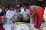 वर्ल्ड कप के लिए रवाना होने से पहले शिरडी पहुंचे रवि शास्त्र
