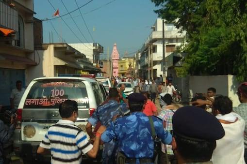 जमशेदपुर में दो गुटों मारपीट व पत्थरबाजी
