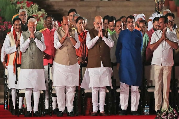 Modi 2.0 : पूर्व मंत्रियों और नेताओं ने दी नई सरकार को बधाई