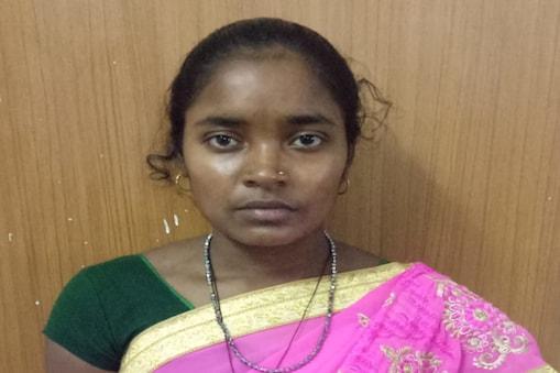 सुकमा से गिरफ्तार महिला नक्सली.