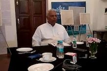 'मजबूत नहीं मजबूर हैं राजनाथ, लखनऊ से जीत के काबिल नहीं'