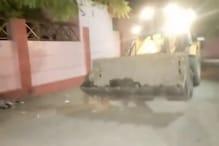 महिला की लाश को JCB से लेकर अस्पताल पहुंची फिरोजाबाद पुलिस