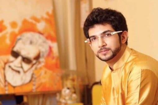 शिवसेना के प्रवक्ता संजय राउत ने कहा है कि अब आदित्य ठाकरे को महाराष्ट्र की कमान संभालनी चाहिए.