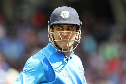 50 पारियों में ऐसा दूसरी बार हुआ जब धोनी के क्रीज पर रहते हारी टीम इंडिया