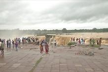 बारिश में चित्रकोट बन गया नियाग्रा, नजारा देख दंग हुए पर्यटक