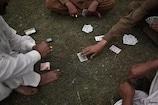 यूपी के जेल में जुआ खेल रहे हैं कैदी, वीडियो हुआ वायरल