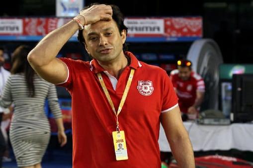 उद्योगपति नुस्ली वाडिया के बेटे नेस वाडिया आईपीएल की शुरुआत से ही किंग्स इलेवन पंजाब की टीम से जुड़ गए थे.