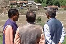 मुख्यमंत्री पहुंचे आपदा प्रभावित आराकोट... खुद लिया हालात का जायज़ा, की प्रभावितों से बात
