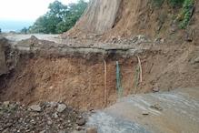 यहां खाई में समा गई थी 10 मीटर सड़क, 17  घंटे की मशक्कत के बाद खुला रास्ता