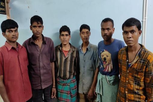 कई संगीन वारदातों में शामिल होने का आऱोप पुलिस ने नक्सलियों पर लगाया है.