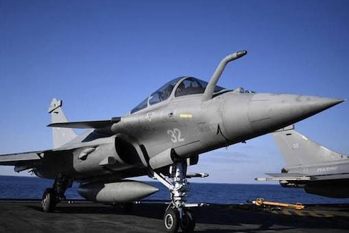 भारत ने 2016 में फ्रांस के साथ 58,000 करोड़ रुपये में 36 लड़ाकू विमान खरीदने के लिए करार किया था.