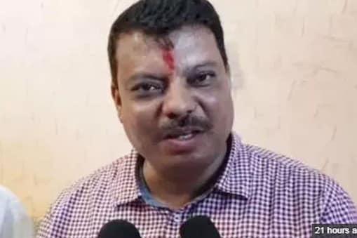 कमलनाथ को ब्लैकमेल कर रहे हैं दिग्विजय सिंह : उमंग सिंघार (फाइल फोटो)