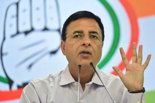 कांगेस नेता रणदीप सुरजेवाला बीजेपी के लीलाराम से 567 वोटों से हार गए हैं.  (File Photo)