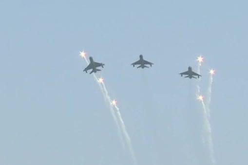 हर वर्ष आठ अक्टूबर को हिंडन बेस में वायुसेना दिवस मनाया जाता है.