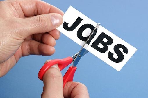 सूचना प्रौद्योगिकी सेवा कंपनियां  30,000 से 40,000 कर्मचारियों को नौकरी से निकाल सकती हैं