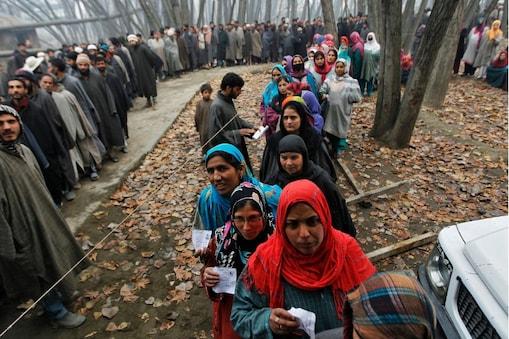 जम्मू-कश्मीर में बीडीसी चुनाव में करीब 100 फीसदी प्रतिशत हुआ मतदान