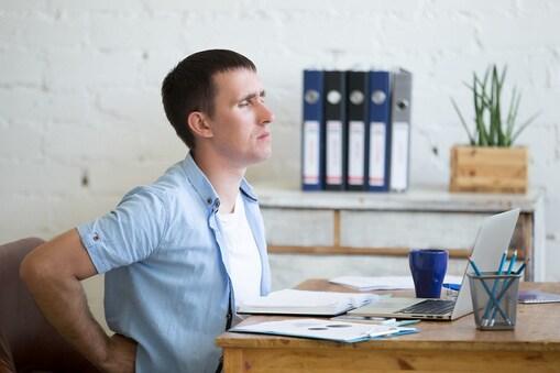 बहुत लंबे समय तक एक ही स्थान पर बैठने से पाचनतंत्र और मेटाबॉलिज्म प्रभावित होता है.