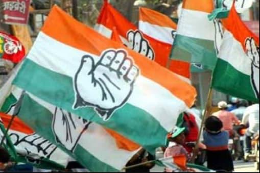 धमतरी कांग्रेस के दोनों खेमों ने संगठन और सरकार में अपने अपने आकाओं के जरिये भरपूर दबाव बना रखा है. (फाइल फोटो)