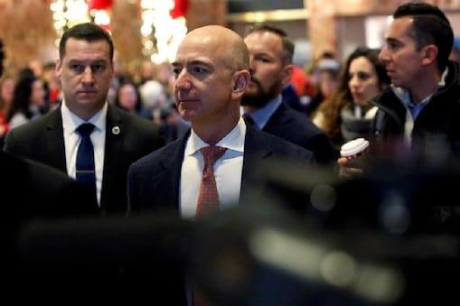 अमेजन (Amazon) के फाउंडर और CEO जेफ बेजोस (Jeff Bezos)