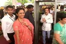 सुप्रिया ने अजित पवार से क्या कहा जो बदल गया महाराष्ट्र का सियासी गणित