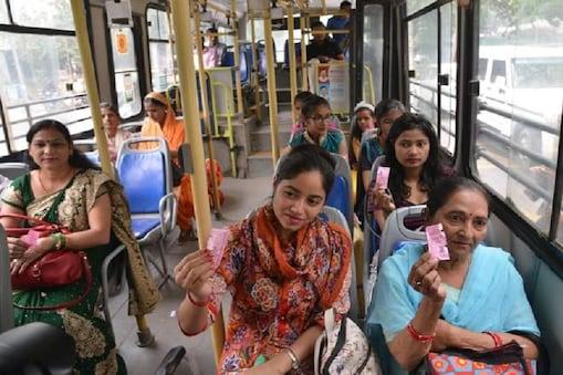 दिल्ली में डीटीसी और कलस्टर बसों में महिला यात्रियों की संख्या बढ़ गई है. (प्रतीकात्मक फोटो)