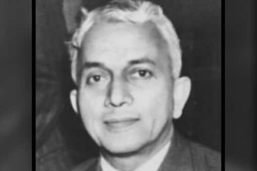 बेनेगल नरसिंह राउ का जन्म कर्नाटक के एक बेहद शिक्षित परिवार में हुआ था. उनके पिता बेनेगल राघवेंद्र राऊ मशहूर डॉक्टर थे.
