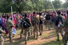 दंतेवाड़ा: पुलिस का विरोध कर रहे ग्रामीणों पर लाठी चार्ज, की हवाई फायरिंग