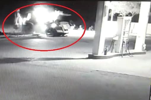 जोधपुर में जेसीबी चालक ने पेट्रोल पंप पर पुलिस की जीप को टक्कर मारकर उड़ाया