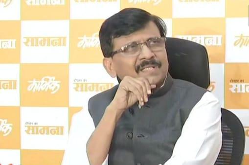 इससे पहले लीलावती अस्पताल से डिस्चार्ज होने के साथ ही राउत ने महाराष्ट्र के अगले मुख्यमंत्री को लेकर बयान दिया था. इस दौरान उन्होंने कहा था कि सूबे में मुख्यमंत्री तो शिवसेना का ही बनेगा. (फाइल फोटो)