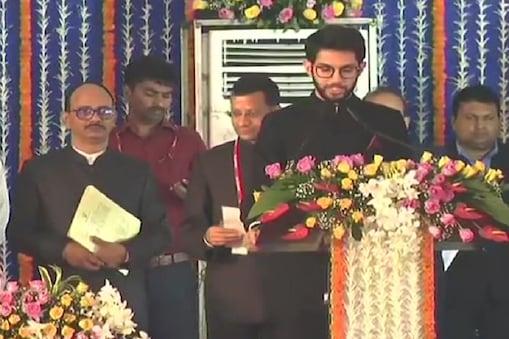 आदित्य ठाकरे सीएम उद्धव की कैबिनेट के सबसे युवा सदस्य हैं. (ANI)