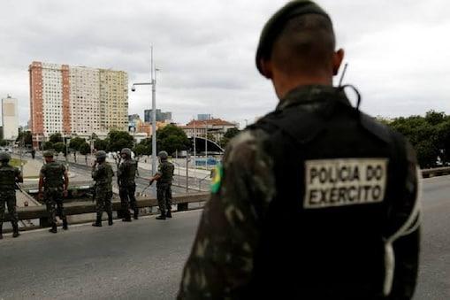 ब्राजील के साओ पाउलो में लोगों की भीड़ और पुलिस के बीच हुई झड़प में 9 लोगों की मौत हो गई है.