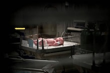 अलवर में बेबी वार्मर में झुलसी 15 दिन की बच्ची, अस्पताल में हंगामा