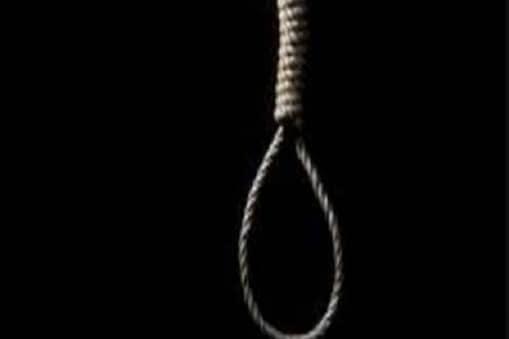 पत्नी एक हफ्ते से मायके में थी. नाराज पति ने आत्महत्या कर ली. (प्रतीकात्मक फोटो)