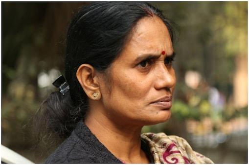 निर्भया की मां आशा देवी.