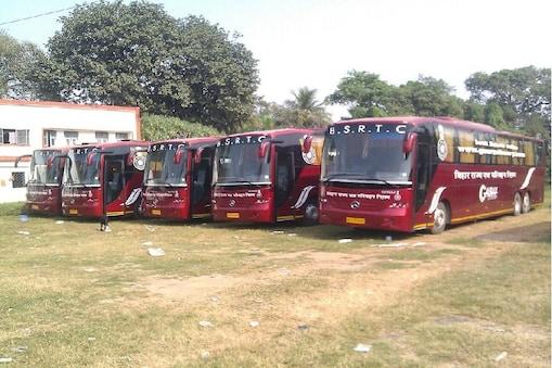 बिहार राज्य पथ परिवहन निगम (Bihar State Road Transport Corporation) ने पटना से झारखंड (Patna to Jharkhand) के शहरों को जोड़ने के लिए पांच रूटों पर 20 बसें चलाने का ऐलान किया है.