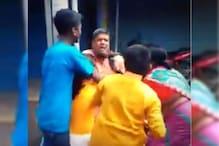 सरस्वती पूजा करने के लिए पुजारी को घसीट कर ले जाने का वीडियो हुआ वायरल