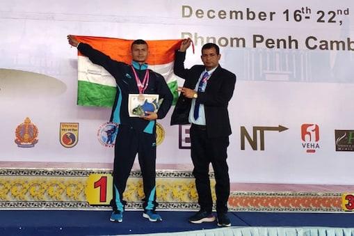 कंबोडिया में पुरुषोत्तम ने कांस्य पदक जीता है.