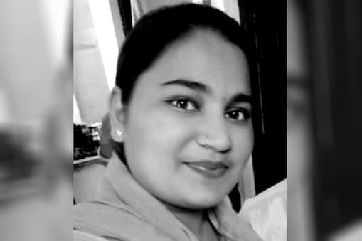 पुलवामा में शहीद हुए हेमराज मीणा की बेटी रीना मीणा