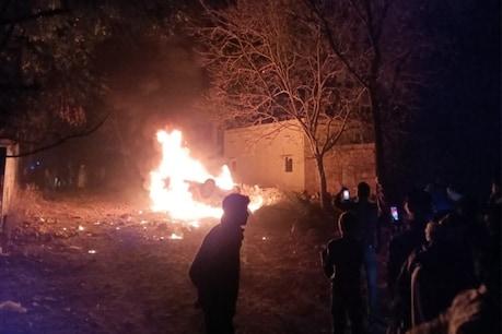 Mob lynching in Alwar: भीड़ ने 2 बदमाशों को पकड़कर बुरी तरह पीटा, पुलिस नहीं पहुंचती तो मार डालते !