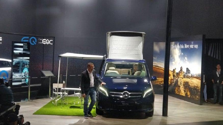 मर्सिडीज बेंज ने ऑटो एक्सपो 2020 में वी-क्लास (V-Class) मार्को पोलो (Marco Polo) लॉन्च की. यह शानदार एमपीवी दो वेरियंट में बाजार में उतारी गई। V-Class Marco Polo Horizon की कीमत 1.38 करोड़ रुपये, जबकि V-Class Marco Polo की कीमत 1.46 करोड़ रुपये है. इस लग्जरी एमपीवी की बुकिंग आज से शुरू हो गई है.