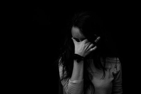 Lockdown: तनाव के कारण हो सकता है पेट दर्द, ऐसे पाएं छुटकारा