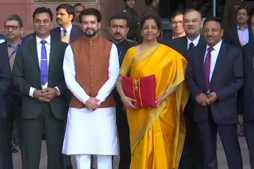 वित्तमंत्री निर्मला सीतारमन ने अपना दूसरा बजट पेश किया (फाइल फोटो, PTI)