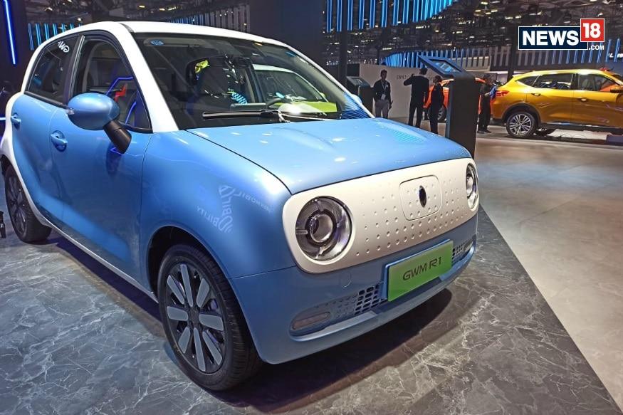 भारत में चल रहे ऑटो एक्सपो 2020 (Auto Expo 2020) में दुनिया की सबसे सस्ती इलेक्ट्रिक कार (Electric Car) पेश की गई हैं. GWM Pavilion ने ऑटो एक्सपो में इलेक्ट्रिक कार Ora R1 को शोकेस किया. ओरा (ORA) ग्रेट वॉल मोटर्स (Great Wall Motors) की सब्सिडियरी है. Ora R1 दुनिया की सबसे इलेक्ट्रिक कार है.