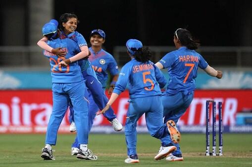 ऑस्ट्रेलिया के खिलाफ वर्ल्ड कप मैच में भारतीय गेंदबाजों ने शानदार प्रदर्शन किया. (social media)