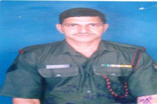 सैनिक संतोष कुमार 1985 में आसाम राइफल में भर्ती हुए थे.